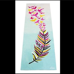 NEW My Yoga Life Bikram nonslip towel feather bird